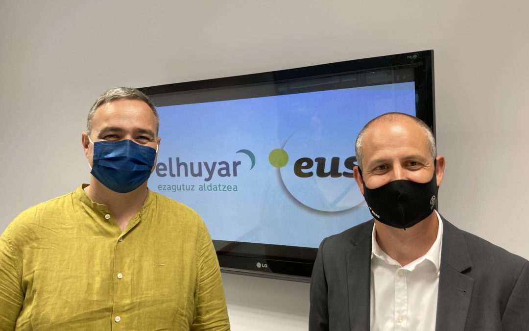 Elhuyar and Puntueus launch collaboration to develop tools to translate websites into Basque